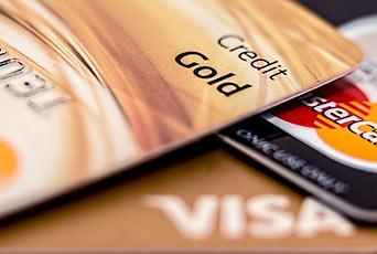 złote karty Visa i Mastercard